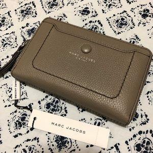 Marc Jacobs Tan Wallet